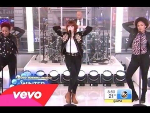 Carly Rae Jepsen Performing on Good Morning America